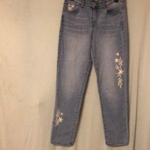 Style & co boyfriend jeans light blue size 6